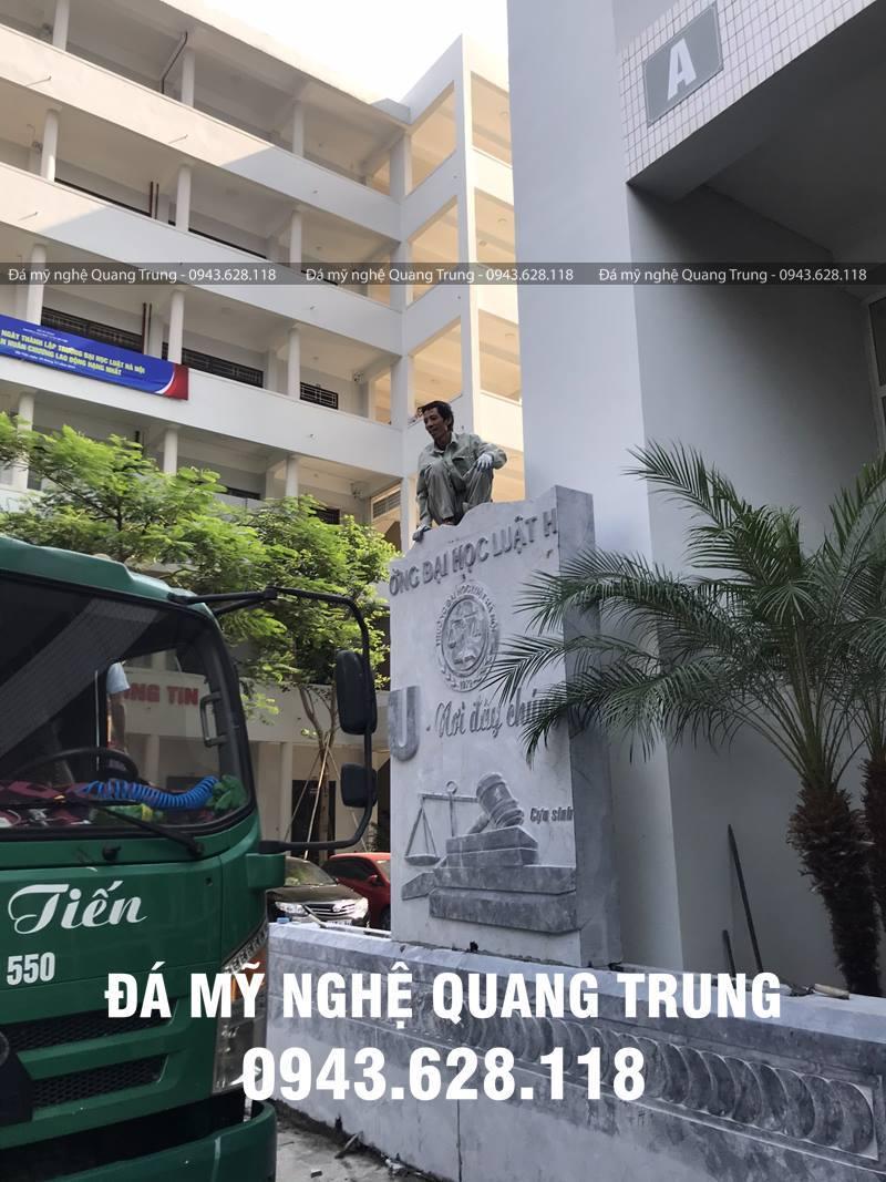 Lap dat cac phien da khoi co trong luong hon 3000kg